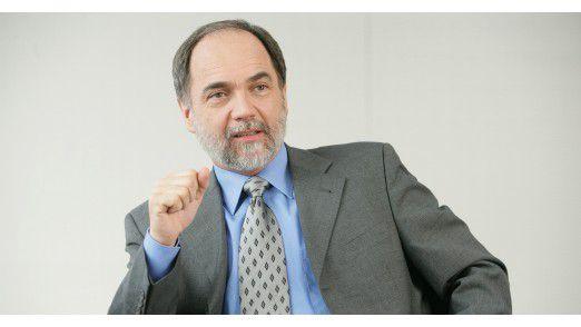 Joseph Reger, CTO von Fujitsu in der EMEIA-Region, setzt große Hoffnungen in die Digital-Annealer-Technologie, die eine Brücke zwischen herkömmlichen Servern und Quantencomputern schlagen soll.
