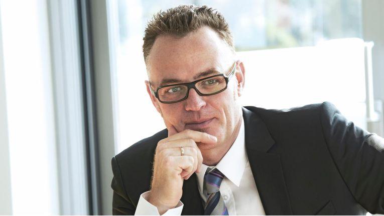 Dr. Andreas Pauls, Geschäftsführer bei Itelligence AG hinterfragt in seinem Vortrag das Thema Industrie 4.0.