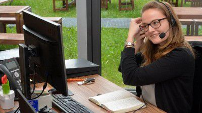 Ratgeber Cloud- und UCC-Telefonie: WebCams, Mikrofone und Headsets optimieren - Foto: Roswitha Model