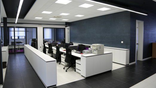 Die Horrorvision jedes Personalers: leere Büros wegen Fachkräftemangels.