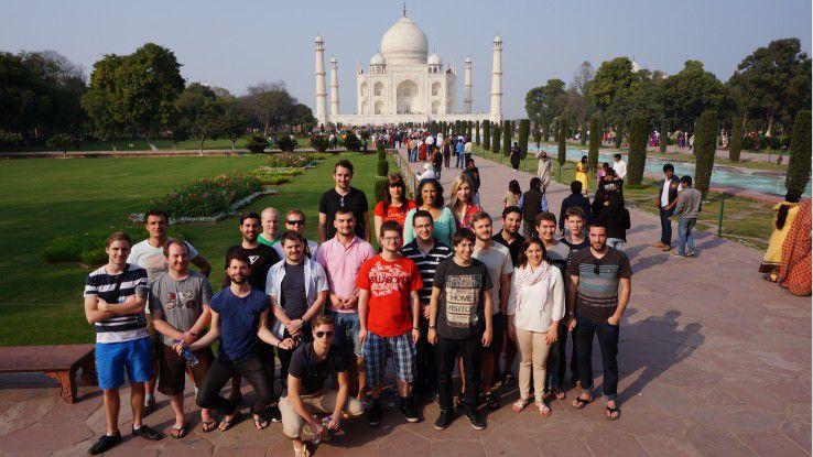 Am Taj Mahal: 21 Studenten waren in diesem Jahr mit auf Studienreise in Indien.