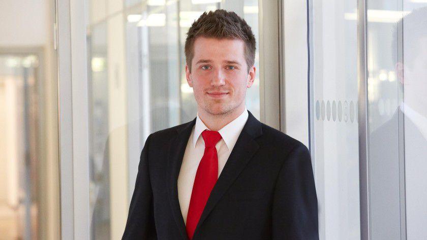 Vitali Kronhardt ist Business Consultant und Community Moderator bei der networks direkt, einem Unternehmen der direkt gruppe, und steht mit seinen Kollegen stets in Verbindung.