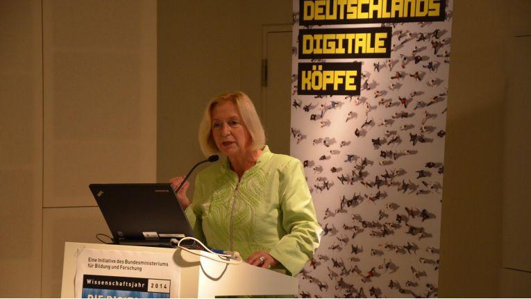Bundesbildungsministerin Johanna Wanka will IT-Sicherheits-Start-ups fördern.