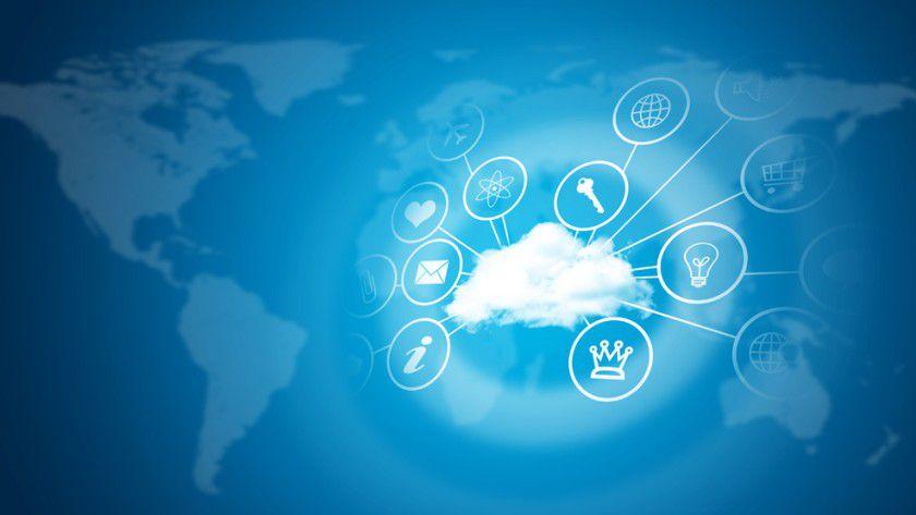 Immer mehr wandert in die Cloud. IT-Entscheider sehen sich mit externen Herausforderungen konfrontiert – ganz oben Sicherheitsbedenken und gesetzliche Regelungen.
