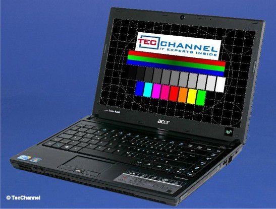 Acer TravelMate 8372: Das 13-Zoll-Display arbeitet mit einer Auflösung von 1366 x 768 Bildpunkten und LED-Hintergrundbeleuchtung.