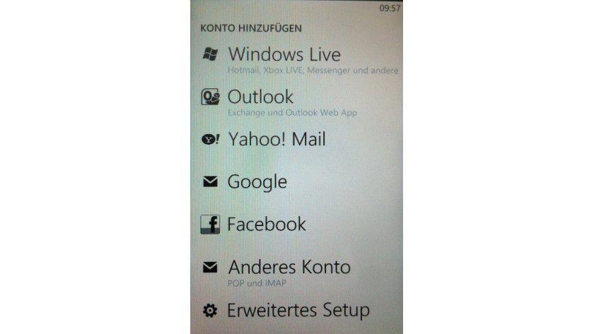 Wahlweise: Windows Phone lässt sich an verschiedene Postfächer anbinden.