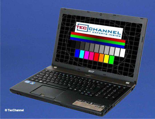 Acer TravelMate 8573T: Das 15,6-Zoll-Display arbeitet mit LED-Hintergrundbeleuchtung und einer Auflösung von 1366 x 768 Bildpunkten. Das 15-Zoll-Notebook bleibt knapp unter 2,6 kg.
