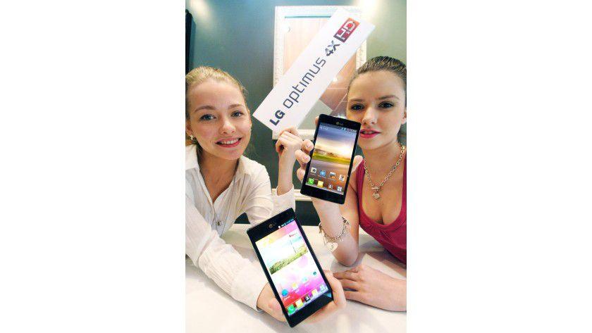 LG Optimus 4X HD: Das Smartphone verwendet den NVIDIA Tegra 3 mit Quad-Core-Technologie und nutzt Google Android 4.0 Ice Cream Sandwich.