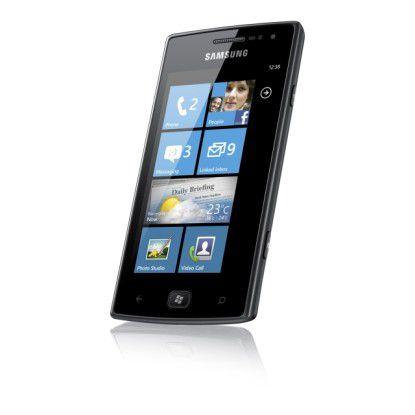 Samsung Omnia W: Das Smartphone setzt auf Windows Phone 7 als Betriebssystem und bietet einen Super AMOLED Bildschirm.