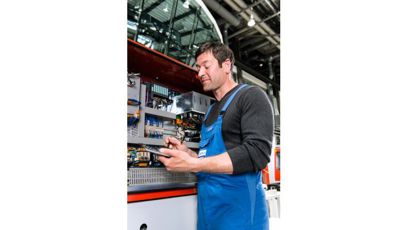 Technischer Service: Die Standardisierung kann auch kleinen Unternehmen helfen. Elektronische Erfassung kann die Fehler bei der Übertragung minimieren.