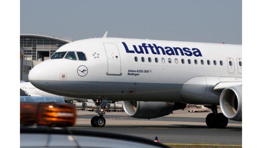 Mobilfunk, aber keine Telefonate: Die Lufthansa stattet die Langstreckenflotte mit Mobilfunktechnik aus, um Passagieren Internetzugang zu ermöglichen.