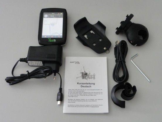 Viel Zubehör trotz günstigem Preis: Zum Teasi One gehören eine Fahrradhalterung für den Lenker, Ladegerät, USB-Kabel, Kurzanleitung und Montagewerkzeug.