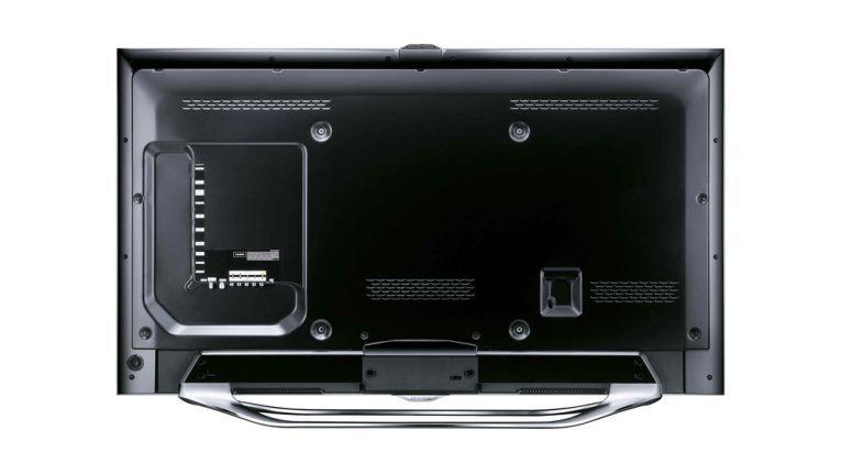 Die meisten aktuell erhältlichen Smart-TV-Geräte sind mit einem integrierten WLAN- Modul ausgestattet. Ein separater Netzwerk- anschluss (Ethernet) ist auch mit an Bord.
