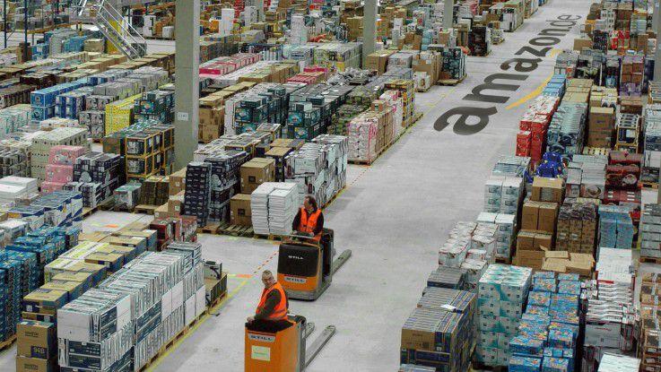 Sechs der neun deutschen Amazon-Versandlager (hier ein Archivfoto aus Leipzig) werden derzeit bestreikt.