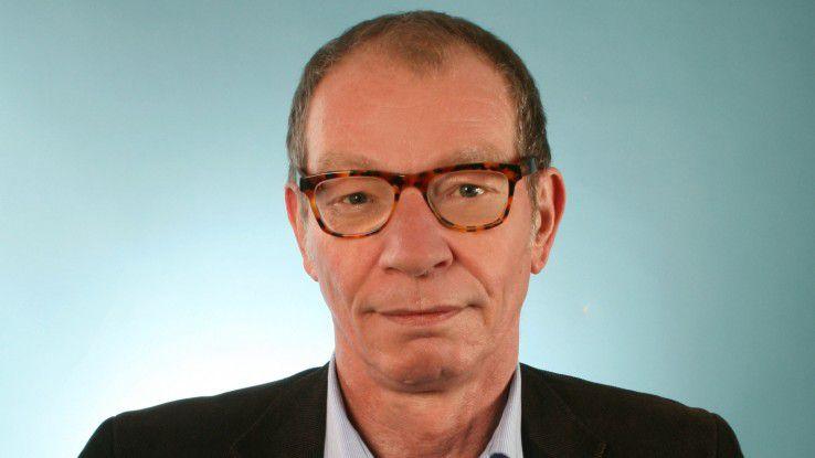 Hans-Joachim Hübner, Spezialist für digitale Dokumentenerfassung beim Satz-Rechen-Zentrum (SRZ), will mehr Mut zur Digitalisierung und zum Wegwerfen des Papieroriginals machen.