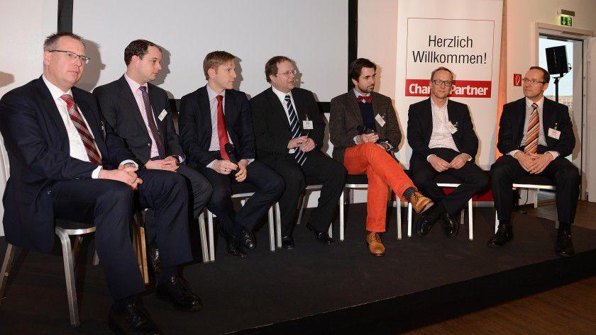 Eine hochkarätig besetzte Expertenrunde diskutiert am 15. Mai 2014 in Köln die Frage 'Wie weit weg ist das papierlose Büro?'