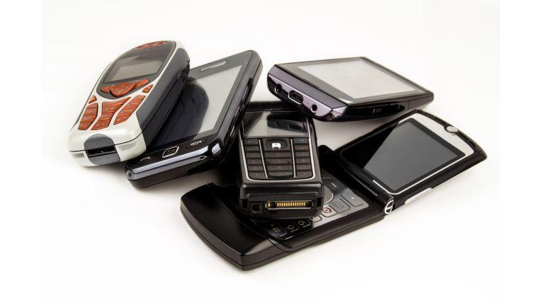 Gebrauchte Handys und Smartphones müssen nicht in der Schublade vergammeln oder auf den Schrottplatz wandern. Auch dafür gibt es einen Markt.