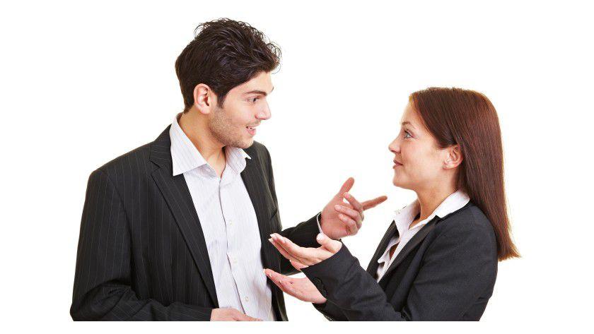 Blickkontakt ist wichtig im Gespräch - und erleichtert ein schlagfertiges Kontern.
