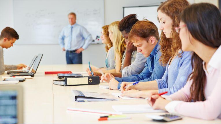 Ziel des Lernens ist nicht nur die Vermittlung von Wissen, sondern auch die Umwandlung von Wissen in Können.