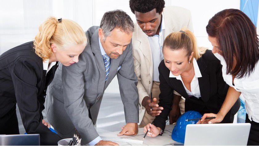 """Wer gutes Selbstmarketing betreibt, macht sich bei Kunden bekannt. Deshalb nutzen viele Dienstleister und Berater das Instrument Pressearbeit verstärkt, um sich als """"Spezialist für..."""" zu profilieren."""