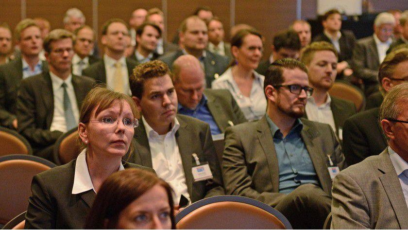 """Zuversicht trotz mancher Sorgen: Auf dem Systemhauskongress """"Chancen 2015"""" in Düsseldorf loteten die IT-Dienstleister künftige Chancen und Risiken aus."""