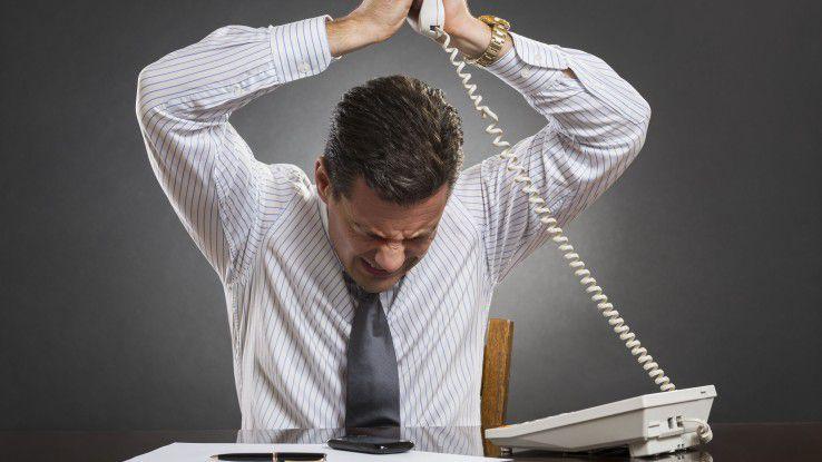 Wer nach dem Anbieterwechsel tage- oder wochenlang eine tote Leitung hat, sollte sich bei der Netzagentur beschweren.