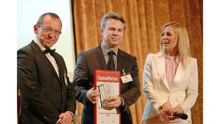 "Lenovo erhielt die Channel Excellence Awards in den Produkt-Kategorien ""Notebooks"" und ""Convertilbes""."
