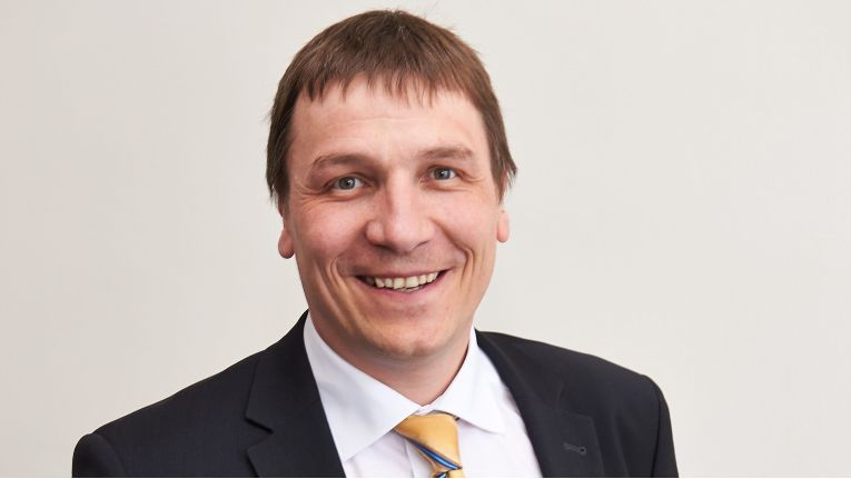 """Benedikt Fischer, Leiter Business Development Cloud Computing, ACP IT-Solutions: """"Es ist ein Riesen-Shift, einen Umsatz in 36 Einzelhappen oder gar über vier Geschäftsjahre hinweg zu strecken. Vier Jahre sind für ein Systemhaus eine lange Zeit. Die Technologie selbst ist kein Problem."""""""