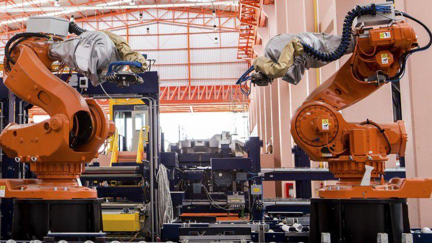 Schau mit in die Augen: Ein Ziel von Industrie 4.0 ist die direkte Kommunikation zwischen Maschinen.