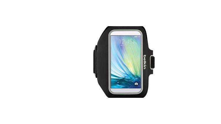 Belkin Sport-Fit Plus mit Galaxy S6: Handwaschbares Smartphone-Armband.