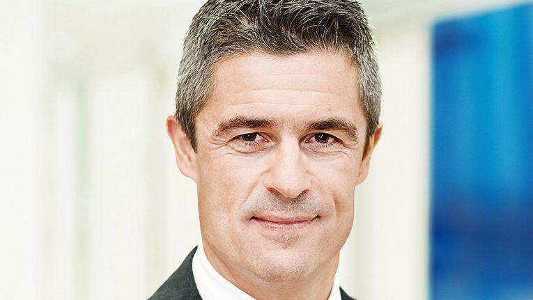 Michael Guschlbauer, Vorstand IT-Systemhaus & Managed Services bei der Bechtle AG, freut sich über die Auszeichnungen und lobt die Zusammenarbeit mit EMC.
