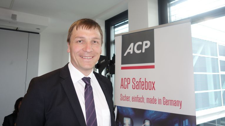 """Benedikt Fischer, Business Development Manager Cloud Computing bei ACP: """"Beim Aufbau unseres EFSS-Dienstes haben wir 20 Produkte getestet. Wir haben schon dreistellige Kundenzahlen für unsern EFSS-Service auf Basis von ownCloud."""""""