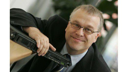Schick und wasserfest - das sind Anforderungen die Familienvater Haluschak an ein Smartphone stellt. Deshalb empfiehlt er das Sony Xperia Z3 Compact.