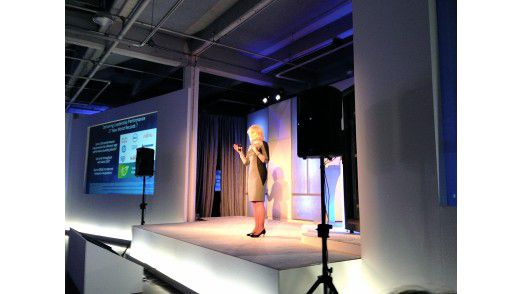 Server-Launch: Intels Diane Bryant, Vice President und Chefin der Data Center Group, stellt in San Francisco die neue Xeon-Generation vor.