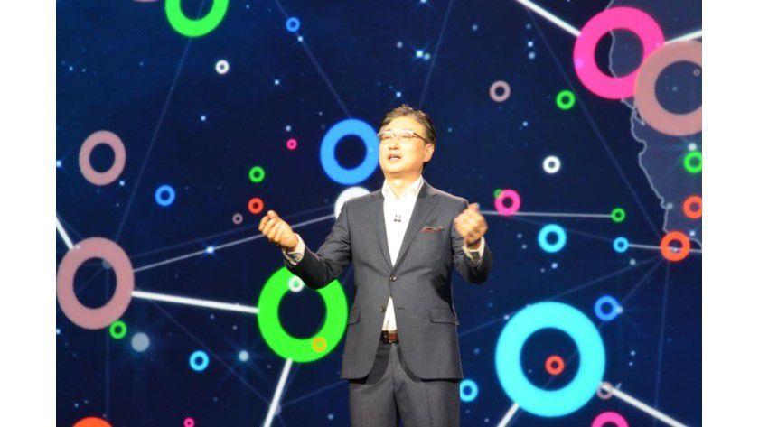 """CES-Keynote: """"Das Internet der Dinge hat das Potenzial, unsere Gesellschaft, die Wirtschaft sowie die Art und Weise, wie wir leben, zu verändern"""", sagte Samsung-Co-CEO BK Yoon."""