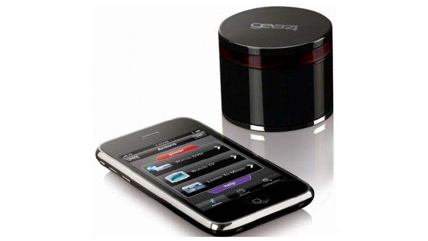 Gear4 Unityremote: Apples Mobilgeräte besitzen keinen eingebauten Infrarotsender. Der externe Sender von Gear4 erhält Kommandos über Bluetooth und setzt sie in IR-Signale um.