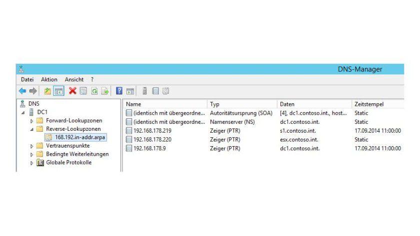 Wird im Netzwerk eine Reverse-Lookup-Zone eingerichtet, können Sie auch Rechnernamen nach der IP-Adresse anzeigen lassen.