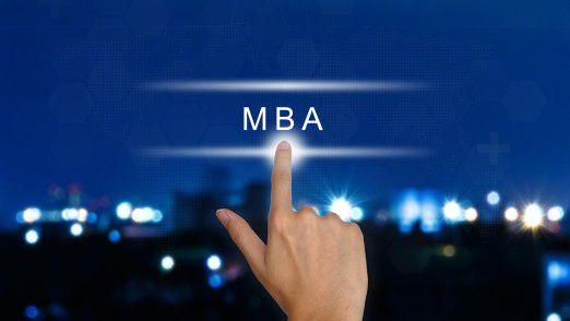Viele MBA-Programme können berufsbegleitend absolviert werden. Das ist zwar anstrengend, aber oft auch karrierefördernd.