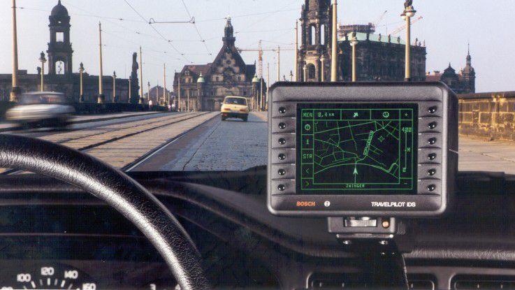 1989 startete Bosch die Serienfertigung des TravelPilot IDS (Identifikation Digitalisierter Straßen), des ersten autarken Zielfindungs- und Navigationssystems für den Straßenverkehr in Europa.