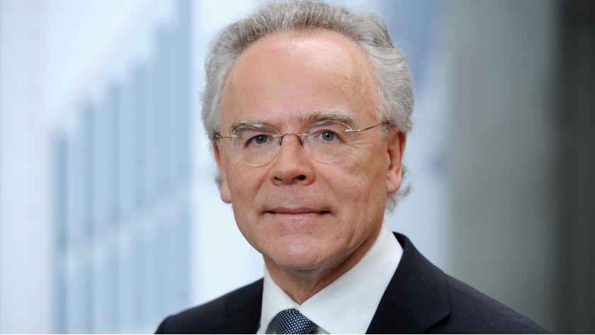 Dr. Hans Langer hat EOS 1989 gegründet.