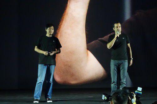 Ex-Google-Mann Hugo Barra zusammen mit Xiaomi CEO Lei Jun