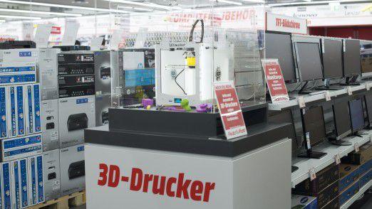 Ein 3D-Drucker in einem Media Markt.