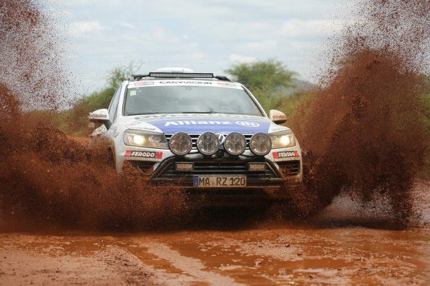 Unterwegs auf der Cape to Cape Challenge 2014. Über 19.000 Kilometer legten Rainer Zietlow und sein Team in diesem VW Touareg zurück.