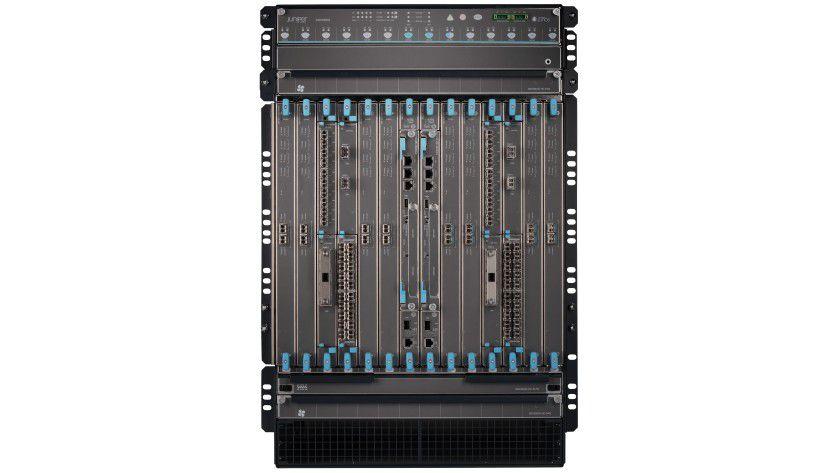 Die neue SRX-Firewall bittet einen Datendurchsatz von einem Tbps.