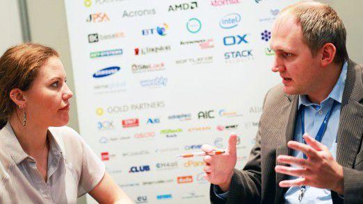 Sarah Harrison im Gespräch mit CW-Redakteur Simon Hülsbömer.