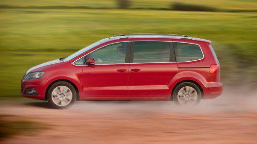 Das Fahrzeug des Antragstellers (Typ Seat Alhambra) ist nicht vorschriftsmäßig im Sinne der Fahrzeug-Zulassungsverordnung, weil es keinem genehmigten Typ im Sinne von § 3 Abs. 1 Satz 2 FZV (mehr) entspricht.