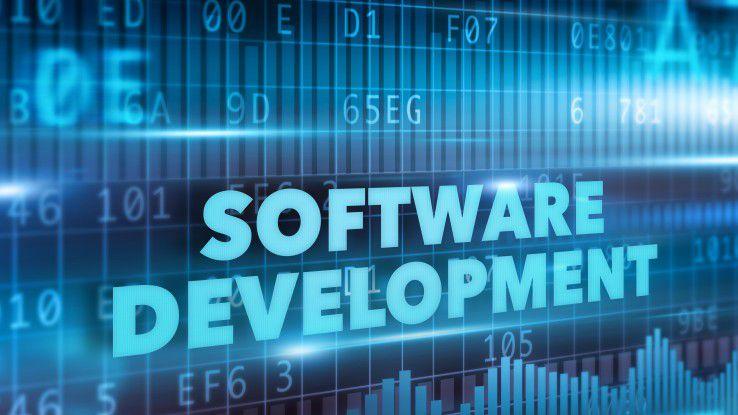 In der Softwareentwicklung lösen agile Methoden wie Scrum und Kanban das herkömmliche Wasserfallmodell ab.
