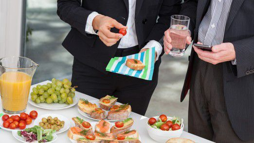 Egal ob beim Business-Lunch oder zum Geschäftsessen im Restaurant - Fettnäpfchen lauern überall.