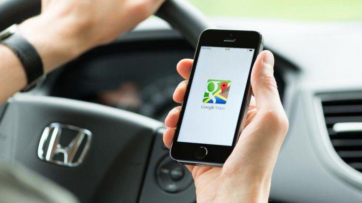 Für IT-Riesen wie Google ist das Geschäft mit den Daten Alltag. Die meisten Autohersteller möchten den Zugriff auf Fahrzeugdaten durch Google und Apple verhindern.