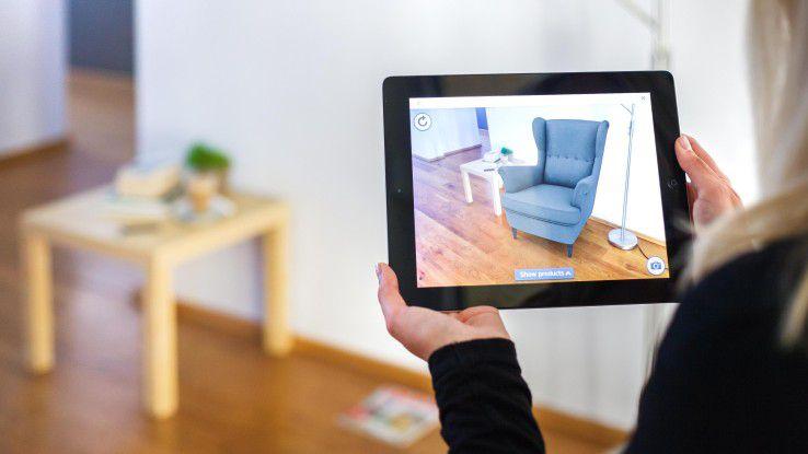 Einblendung einer Sessel-Grafik in reales Wohnzimmer als Produktbeispiel.
